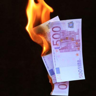 Saarbr cken geld verschleudert kritik an f hrung der for Ecksofa 500 euro