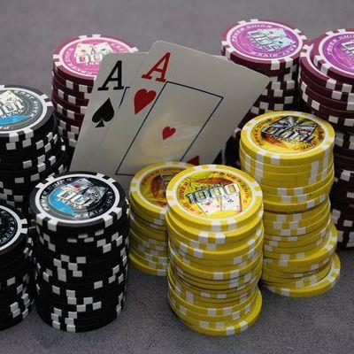 Texas holdem pokeri peli hyving