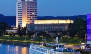 hotel-arcotel-nike-linz_300x300_scaled_cropp