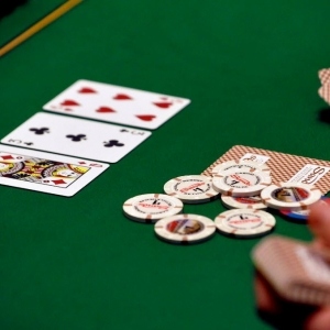 new-poker-chips-0ff1a7d1d1faf20b_300x300_scaled_cropp