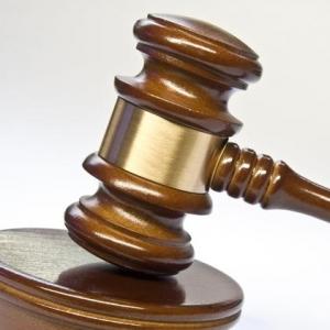 Brueder-wegen-gemeinschaftlichen-gefaehrlichen-Koerperverletzung-verurteilt-Richter-Kein-Toetungsvorsatz-Schwurgericht-schickt-Schlaeger-Du1_image_630_420f_wn_300x300_scaled_cropp