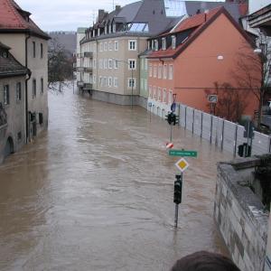 Hochwasser_W++rzburg_Januar_2003_300x300_scaled_cropp