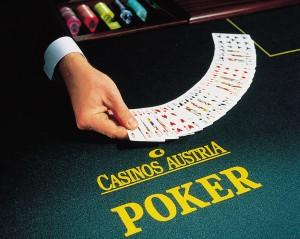 PokerCroupiermitKarten
