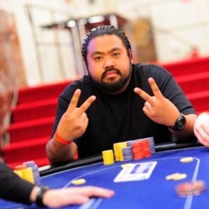 tomas_stacha_poker_photographer_1_Chipleaderday2-thumb-450x299-223058_300_300_cropp