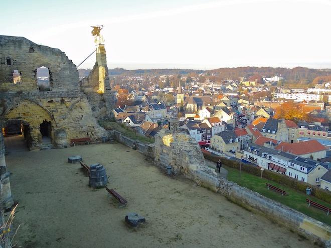 Castle_Valkenburg_-_View_over_Valkenburg_aan_de_Geul
