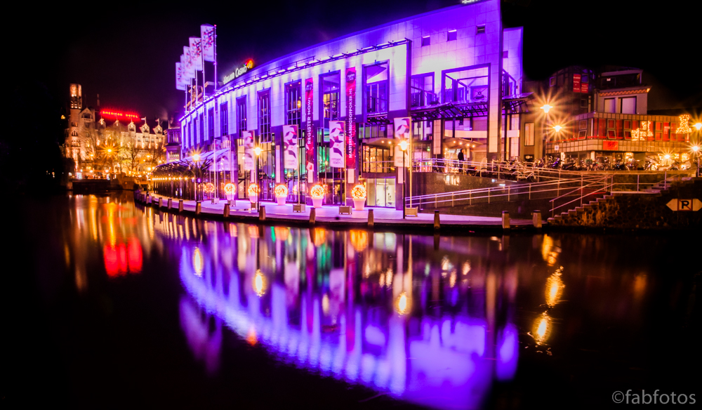 holland casino amsterdam at night