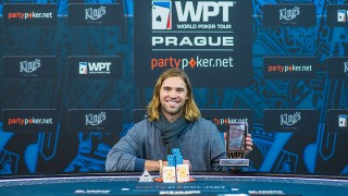 Sieger WPT High Roller Champion Elliot Smith (CAN)