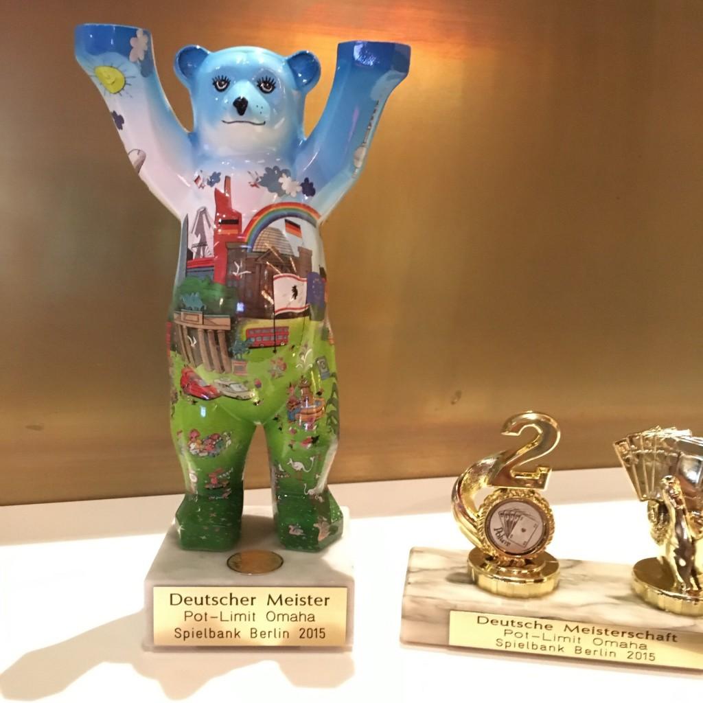 Die Pokale der Deutsche Pot Limit Omaha Meisterschaft 2015
