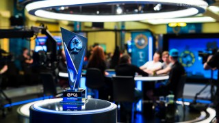 PCA 2016 Main Event Winners Trophy