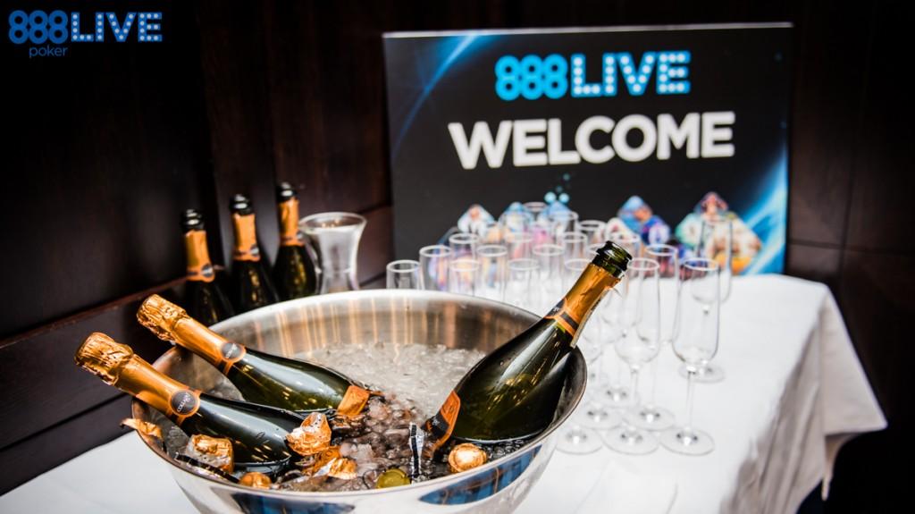 888live Snow Limit Austria - Welcome Toast-11-1468855515823_tcm1488-312423-2