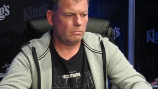 Sven Szamiteit räumt €13.887 ab!