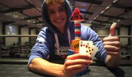 Felix Schmid gewinnt das King's Sunday Deepstack