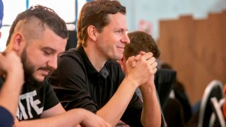 Head Coach Thorsten Leibenath mit Poker-Face