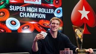 champion-alex-foxen-2018-appt-macau-super-high-roller-final-table-giron-7jg8259