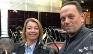 Frau Barke präsentiert die Champions-Trophy