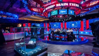 ESPN_Main_Feature_Table_2016_WSOP_EV68_Main_Event_Day_7_Giron_7JG8414