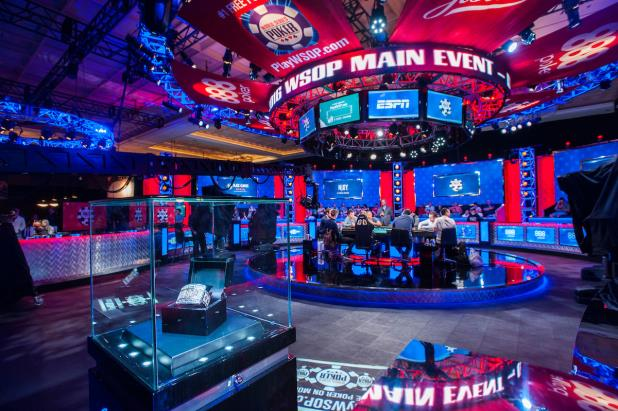 ESPN_Main_Feature_Table_2016_WSOP_EV68_Main_Event_Day_7_Giron_7JG8414