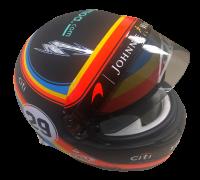 Wer holt sich den Helm von Fernando Alonso?