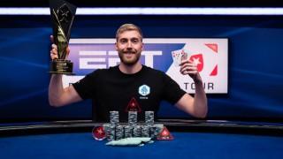 Manig Löser nach seinem Triumph beim Poker-Marathon